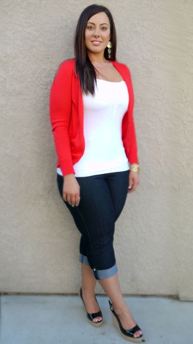 Casual Outfits For Women Over 40 Red and White