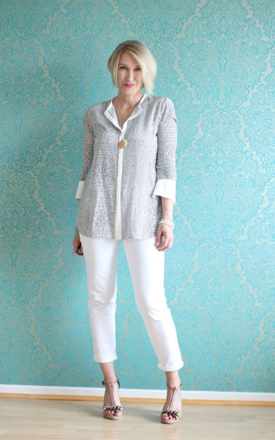 25 Casual Outfits For Women Over 40