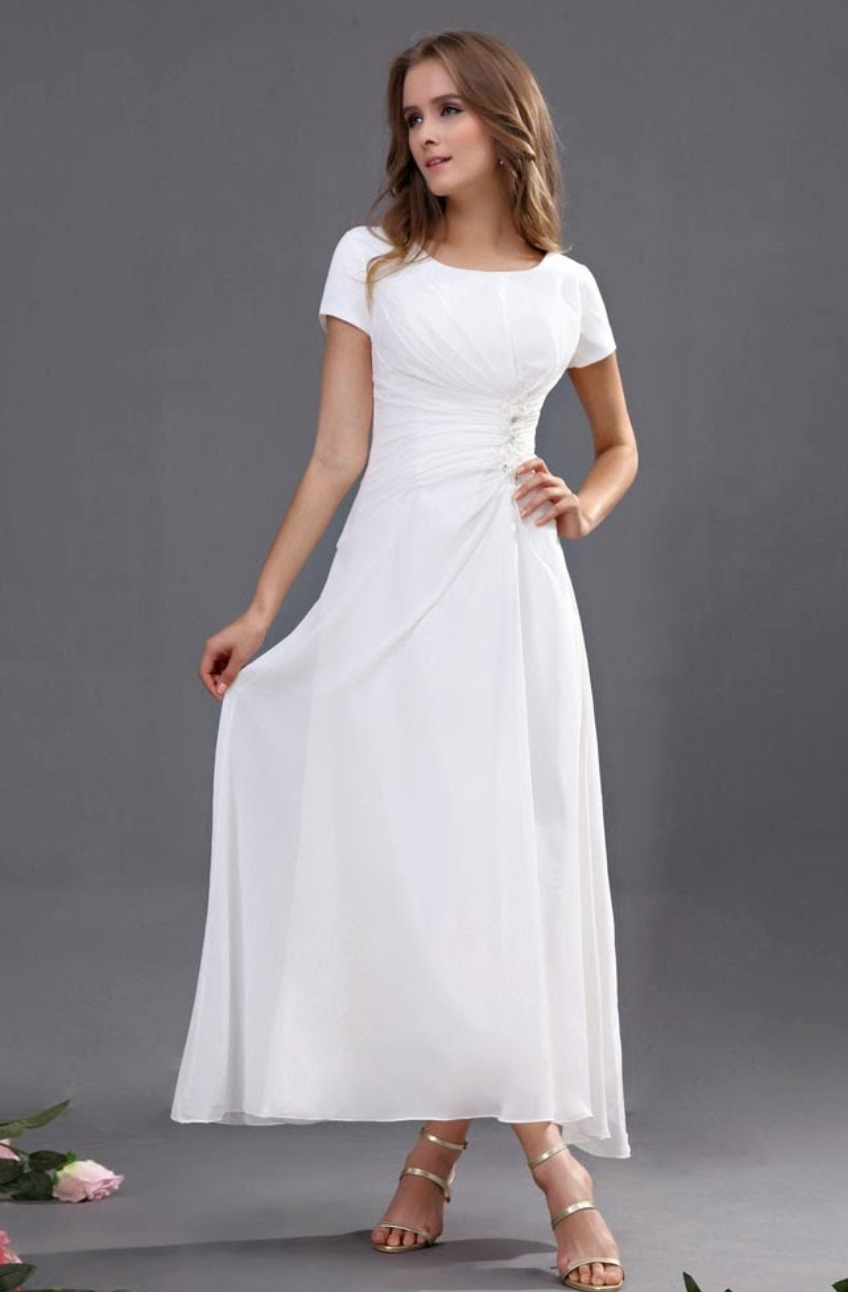 White Graduation Dresses for Seniors