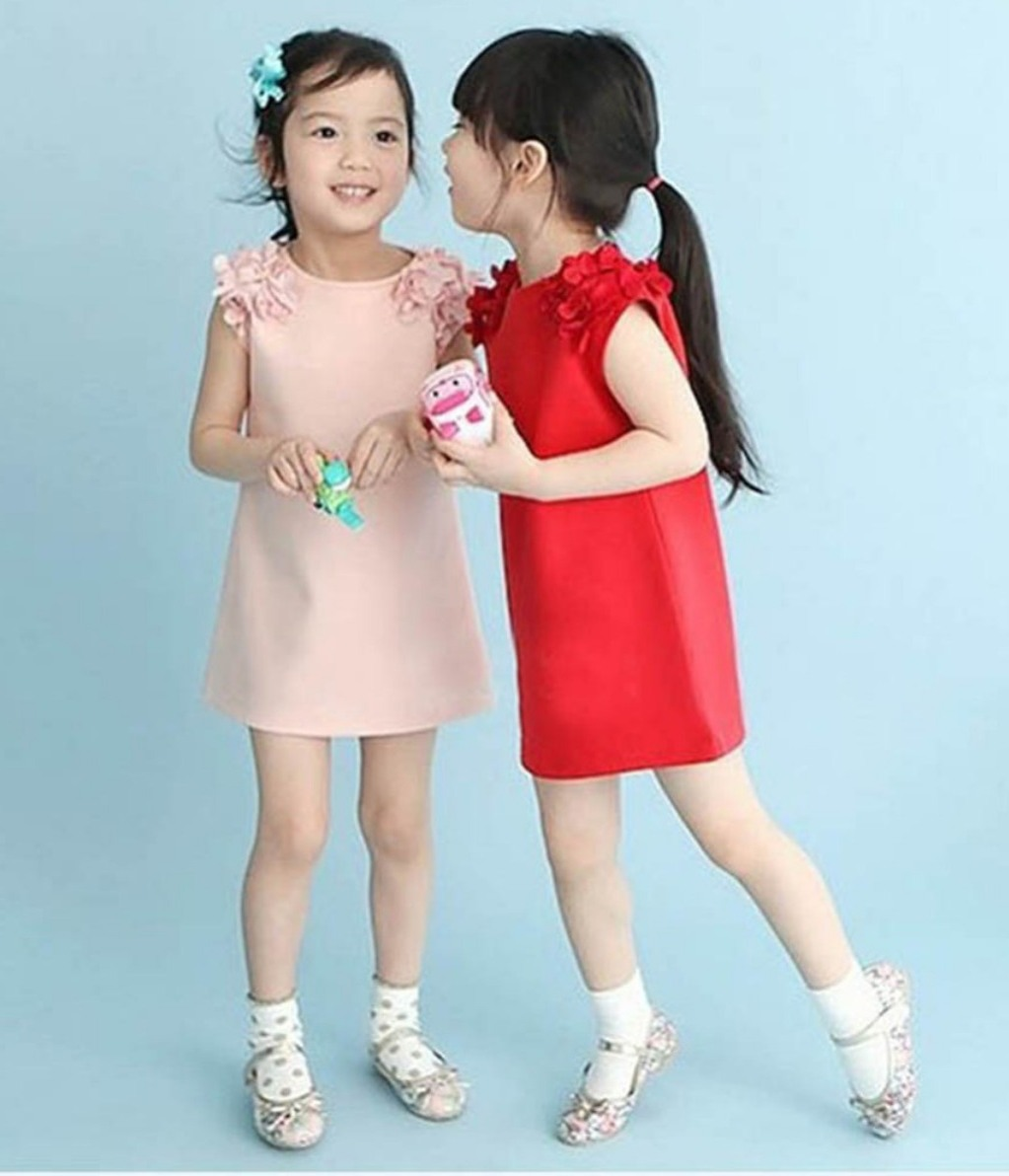 11 Beautiful Christmas Dresses for Girls - GetFashionIdeas.com ...